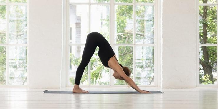 Тренировка дня комплекс с элементами йоги для прокачки пресса