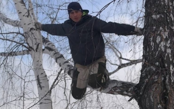 Возле омской деревни, где студенту приходилось ловить 3G с березы, установили вышку сотовой связи