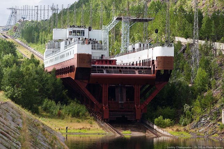 Единственный в России судоподъемник (25 фото)