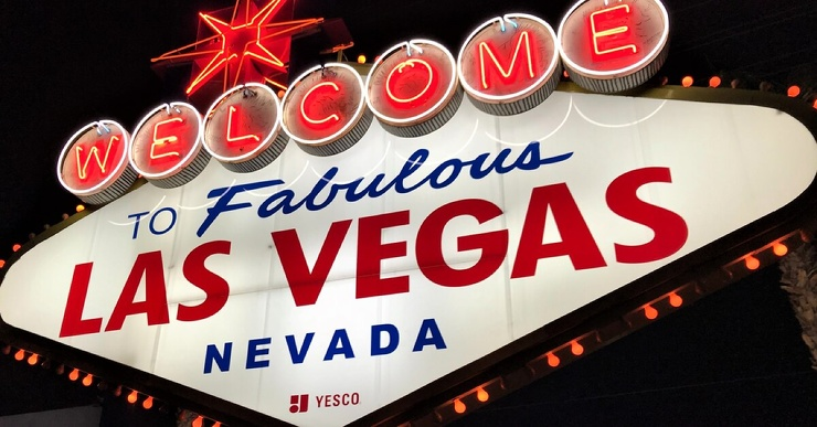 В Лас-Вегасе открыли пункт вакцинации в стрип-клубе