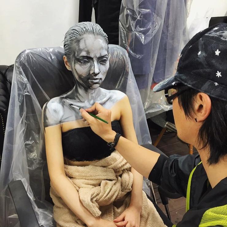 Жуткий макияж от японского художника  фото  видео