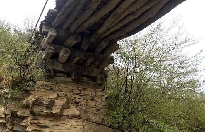 Деревянный мост в Дагестане, построенный без единого гвоздя