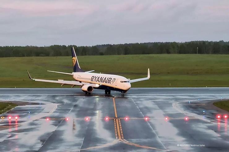 5 случаев принудительной посадки самолётов международных линий (6 фото)