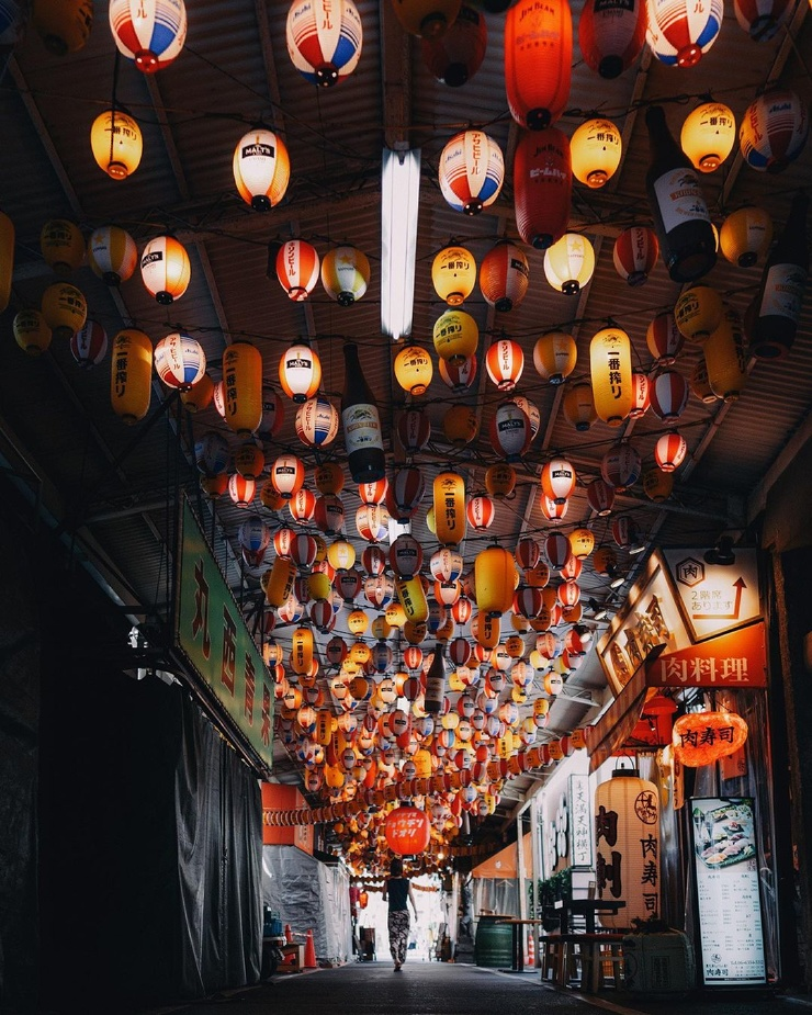 Улицы Японии на снимках Хиро Шимады (24 фото)