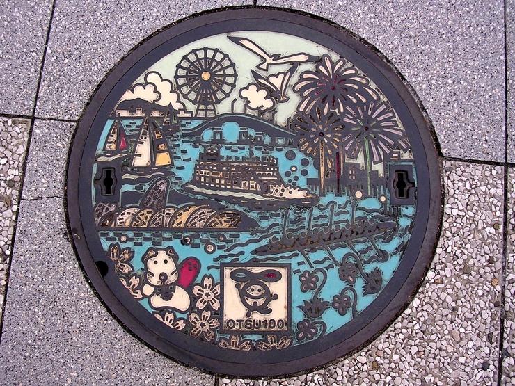 24 красивейших канализационных люка из Японии