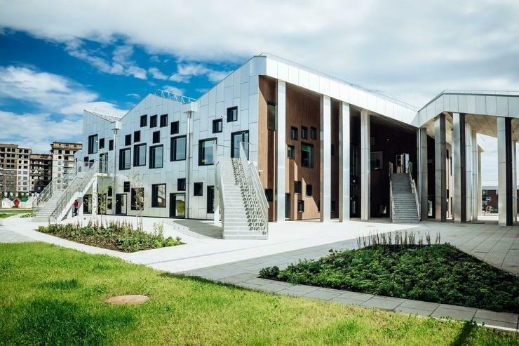Под Иркутском открыли школу, построенную по датскому архитектурному проекту  фото  видео