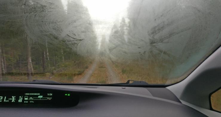 Как бороться с запотевающими стёклами в автомобиле