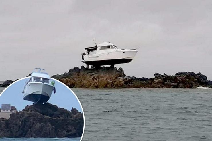 Лодка села на мель и после отлива оказалась на высоте 3-х метров над морем