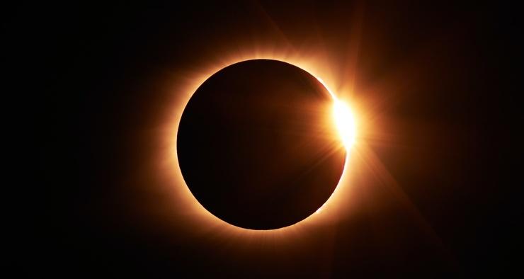 Жители России впервые за 50 лет смогут увидеть кольцеобразное затмение