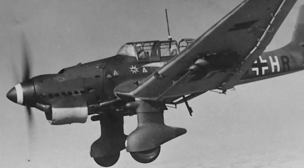 Почему немецкие бомбардировщики издавали такой страшный звук (6 фото)