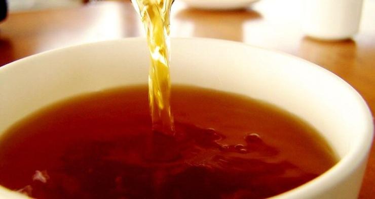 Поможет ли горячий чай остудиться в жару