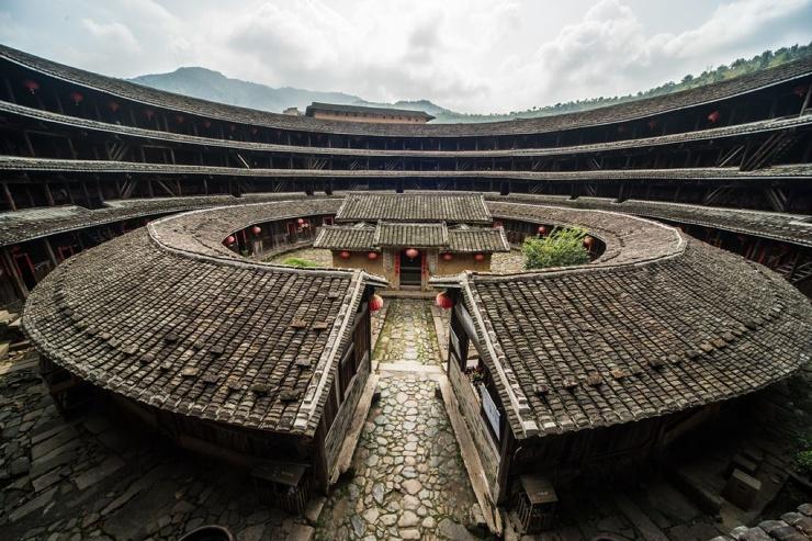 Тулоу - уникальные китайские дома-замки  фото  видео