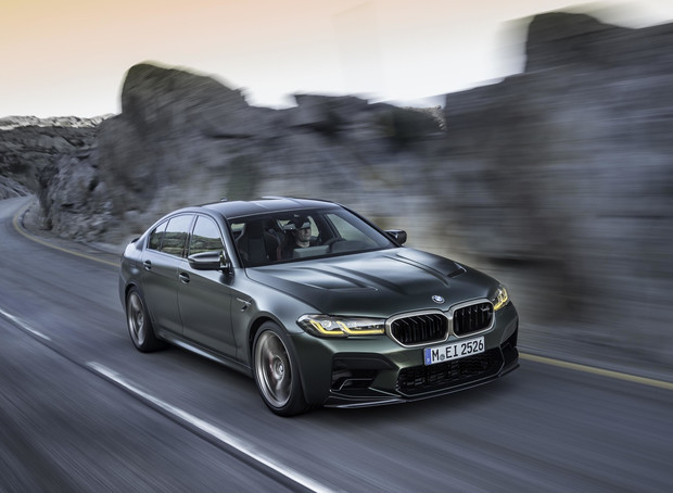 Четыре миллиона за три десятых секунды BMW представила самый мощный автомобиль в своей истории (10 фото)