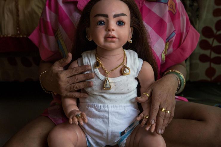 Жуткие куклы-талисманы в Таиланде (12 фото)