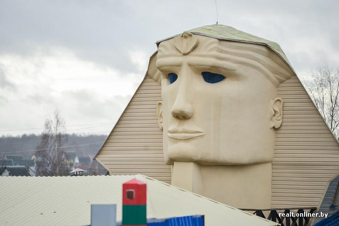 Сфинкс своими руками строитель из Витебска создал для жены дом мечты