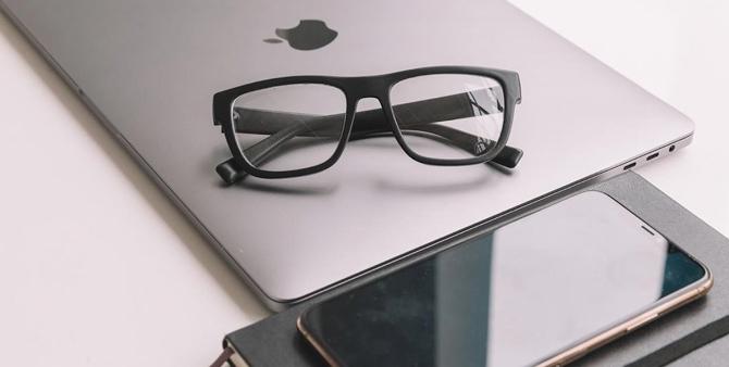 В Канаде придумали очки, которые не дают бездельничать  фото  видео