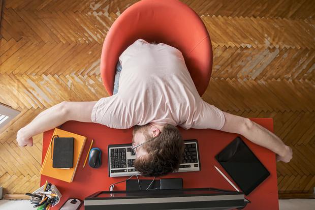 Ученые назвали 5 причин, по которым спать днем полезно