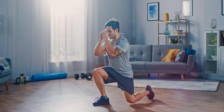 Тренировка дня, которая сожжёт не меньше 200 ккал и прокачает мышцы