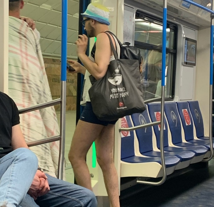 Модники из российского метрополитена от  20.07 фото