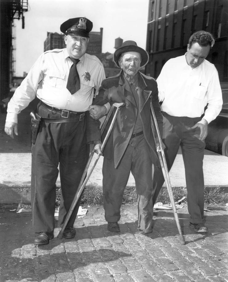 Закон об уродах запрещал людям с отталкивающей внешностью, а также калекам появляться на улицах городов США