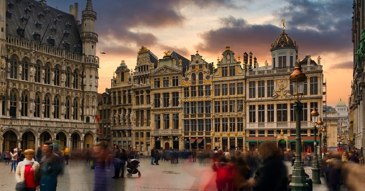 Жителям европейской страны стали прописывать посещение музеев от стресса после COVID-19