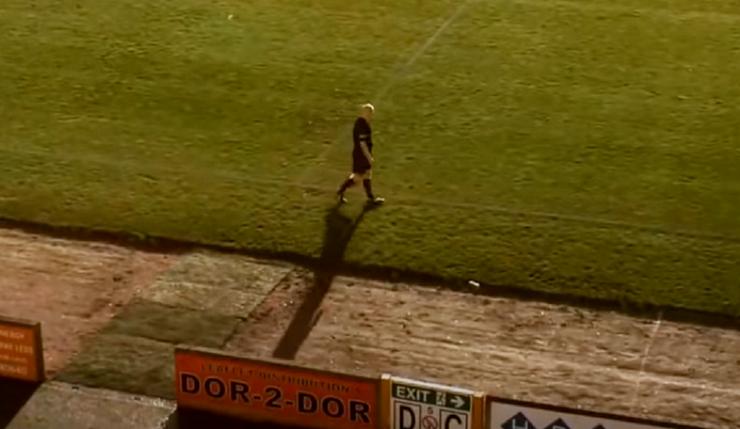 Умная камера на матче перепутала лысину рефери с мячом и следила за ней (видео)