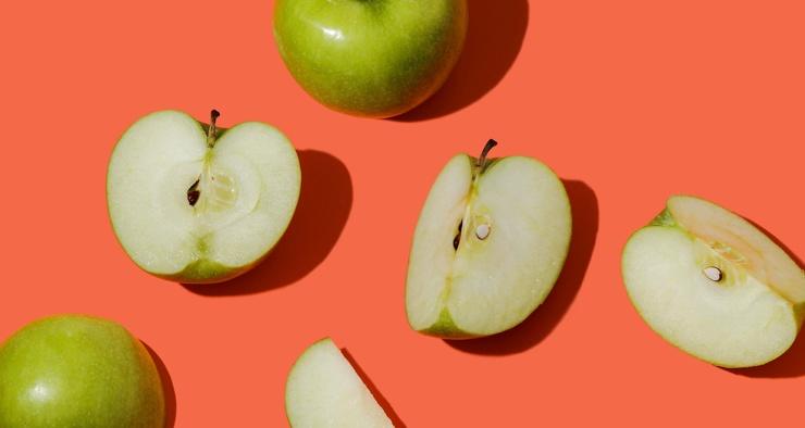 Можно ли почистить зубы яблоком