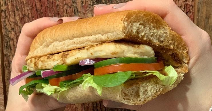 Суд запретил называть хлеб в Subway хлебом