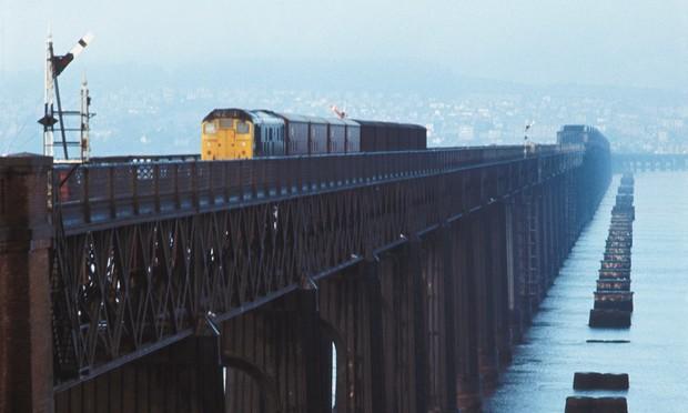 Крушение поезда на мосту через Тей  крупнейшая железнодорожная авария в истории Великобритании