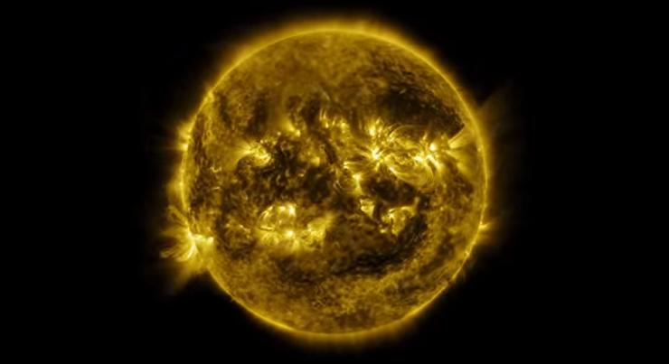 Целый год жизни Солнца в одном видео