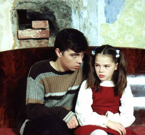 Что стало с девочкой, сыгравшей роль Дины в фильме Сестры?