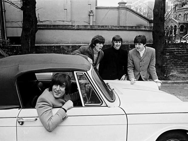 Бэйби, ю кэн драйв май кар. Главные автомобили в жизни Джона Леннона (6 фото)