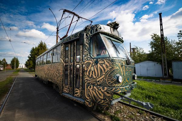 В Екатеринбурге запустят трамвай, расписанный на фестивале Stenograffia