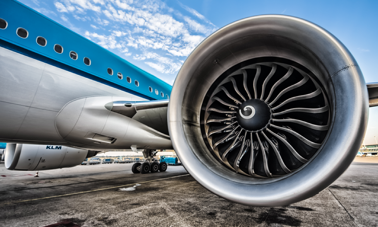 Для чего на турбинах самолета рисуют спирали?