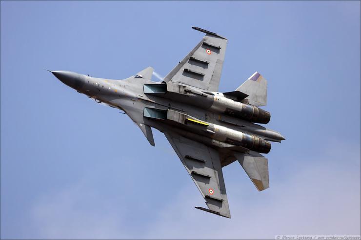 Выступление российских истребителей Су-30МКИ на авиашоу в Индии (24 фото)