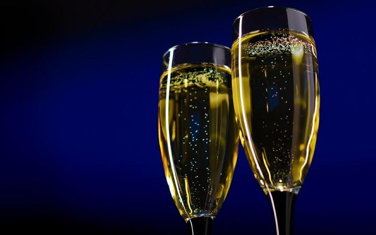 В России могут запретить детское шампанское