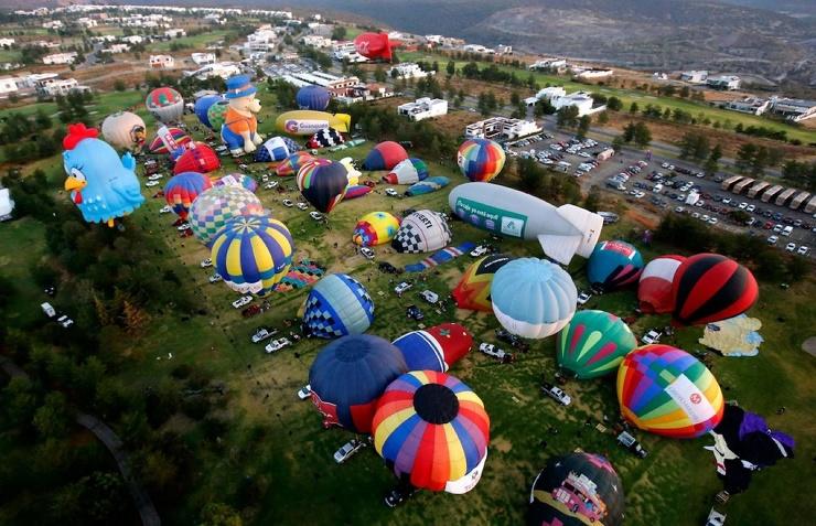 Международный фестиваль воздушных шаров в Мексике фото  видео
