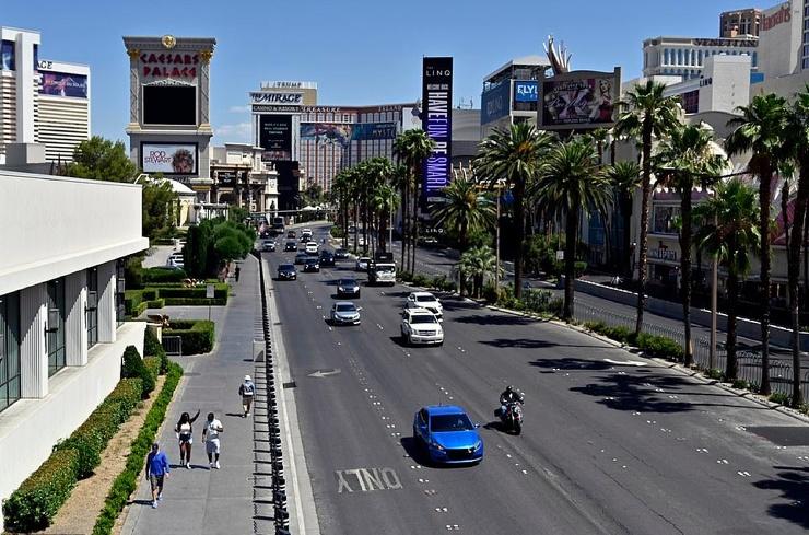 После 78 дней карантина в Лас-Вегасе открылись казино  фото  видео
