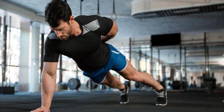 Тренировка дня 5 упражнений для прокачки спины в домашних условиях