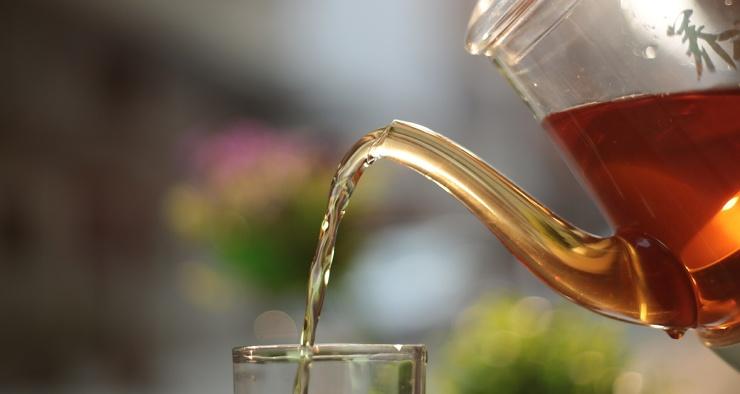 Чай останавливает размножение коронавируса. Правда, ненадолго