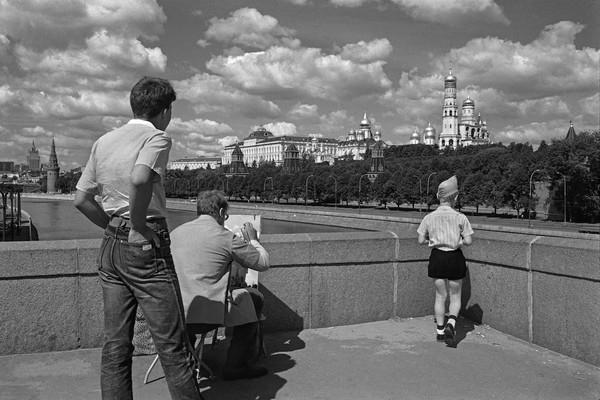 23 фотографии последних дней советской Москвы, сделанные британским туристом