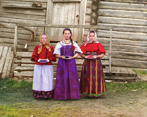 12 цветных фотографий царской России