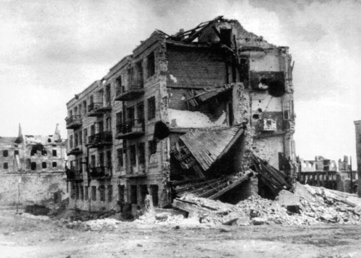 В знаменитом Доме Павлова в Волгограде после войны жили два Героя Советского Союза. Рассказываю кто они (видео)