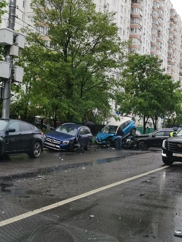 Необычная авария в Тропарёво