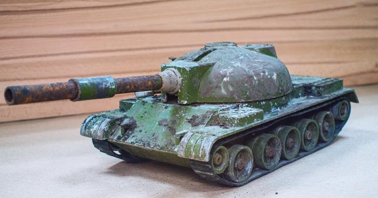 Реставрация игрушечного советского танка привет из детства (видео)