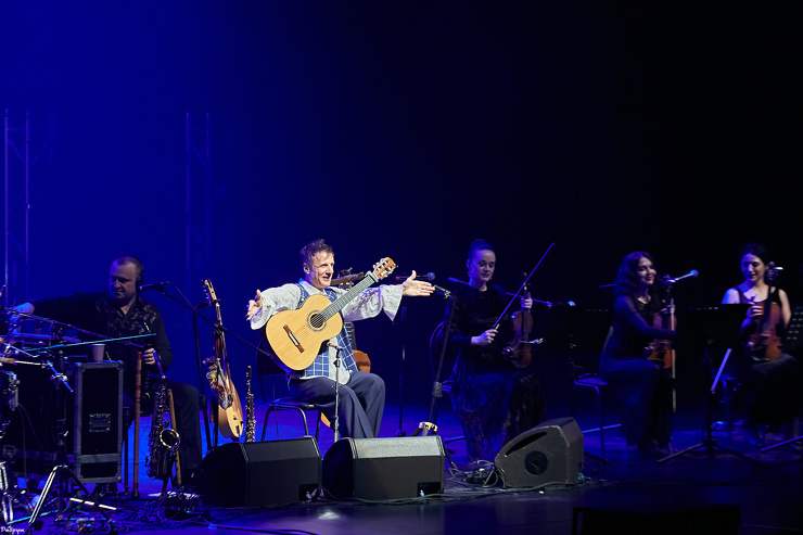ДиДюЛя с оркестром 7 марта в ККТ Космос фото
