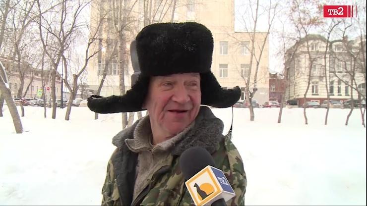 Томские журналисты спросили местного дворника про любовь, а он начал цитировать Beatles и говорить по-французски (вирусное видео)