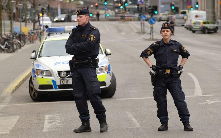В Стокгольме освободили из заточения 41-летнего мужчину. Его на протяжении 30 лет держала в изоляции собственная мать