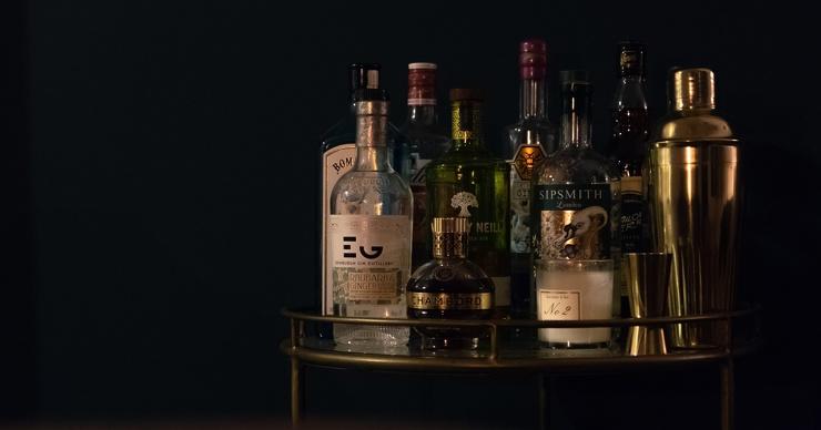 Почему крепкое спиртное обжигает горло даже холодным