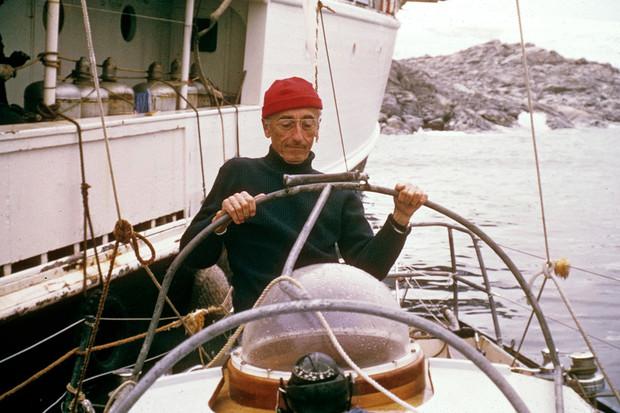 Почему Жак Ив Кусто носил красную шапку?